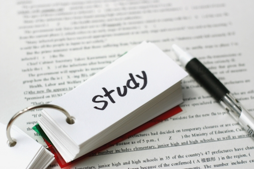 大学院留学準備:CV(履歴書)・GPA(成績)・TOEFLとGRE